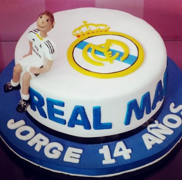 Superb Order Real Madrid Cake Online Real Madrid Cake Delivery From Wish Funny Birthday Cards Online Elaedamsfinfo