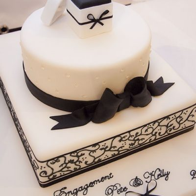 order wedding cakes online buy and send wedding cakes online to india wish a flower. Black Bedroom Furniture Sets. Home Design Ideas